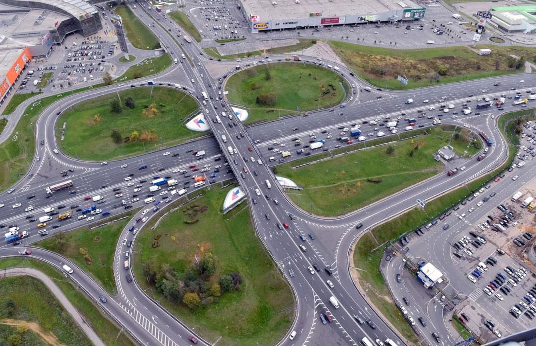 С 5 мая 2021 года для проезда грузовиков по МКАД требуется регистрация в «РНИС»